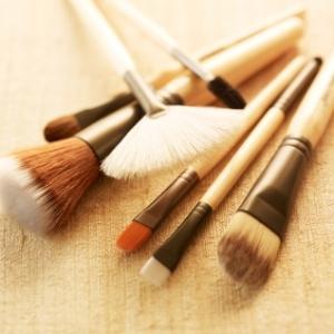 super power tools quels pinceaux de maquillage choisir les carnets d 39 aur lia. Black Bedroom Furniture Sets. Home Design Ideas